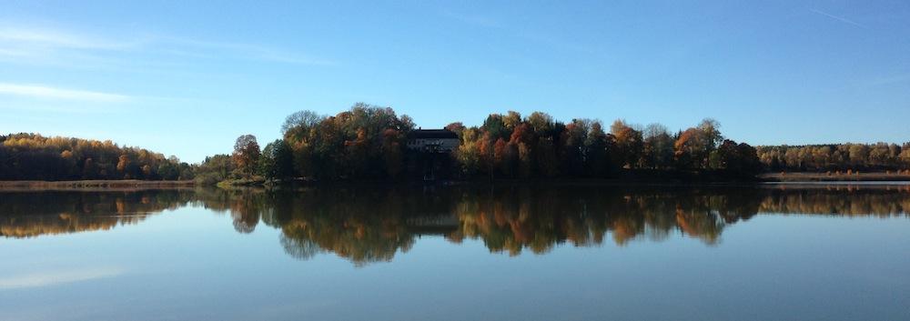 Hösten-gården-från-sjön-IMG_6775-kopia-2
